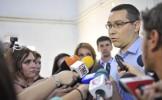 """Victor Ponta: """"Traian Băsescu, un şomer de lux pe care îl plătim până la anul"""""""