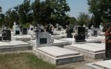 Situaţie INCREDIBILĂ: Ce au descoperit groparii în cimitirele din România. Explicaţia ŞOCANTĂ a oame...