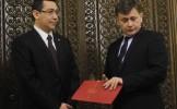 Ponta îl atacă pe Antonescu: Ne spune nouă una, alta le spune colegilor şi alta presei
