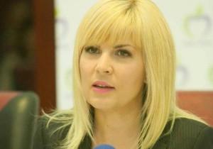 elena-udrea-pregatita-pentru-urmatoarea-faza-ultima-declaratie-a-blondei-pe-facebook-cat-de-fraiera-ma-cred