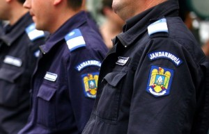"""Trei elevi ai Şcolii Militare de Subofiţeri Jandarmi """"Petru Rareş"""