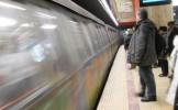 O femeie s-a sinucis aruncându-se în faţa metrolului la Piaţa Unirii