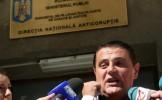 Ovidiu Silaghi, la DNA. Fostul ministru este urmărit penal pentru trafic de influenţă şi luare de mi...