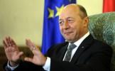 """Studiu: """"Relația lui Băsescu cu serviciile secrete a făcut posibilă păstrarea ordinii constituț..."""